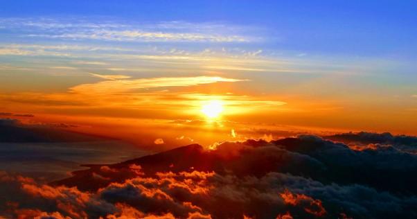 haleakala national park sunrise from tourguide